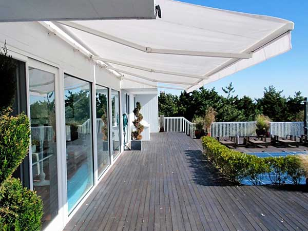 pool deck Retractable Awnings
